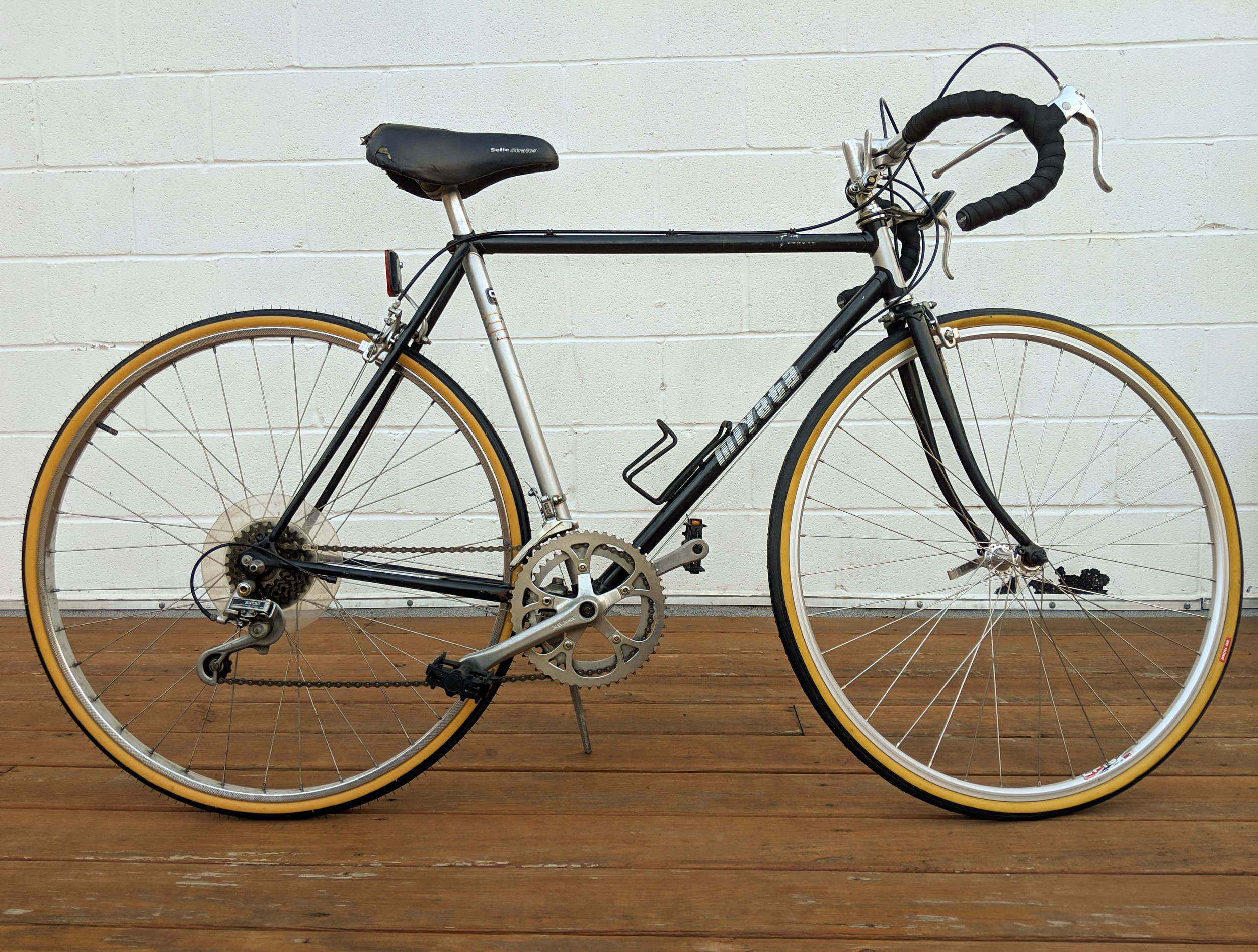 54cm Black and Silver Miyata