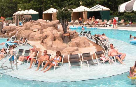 Outdoor lazy river at Wilderness Resort in Wisconsin Dells, WI