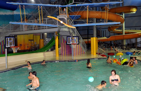 Pool basketball area at Action City/Metropolis Resort & Choas Waterpark in Eau Claire, WI