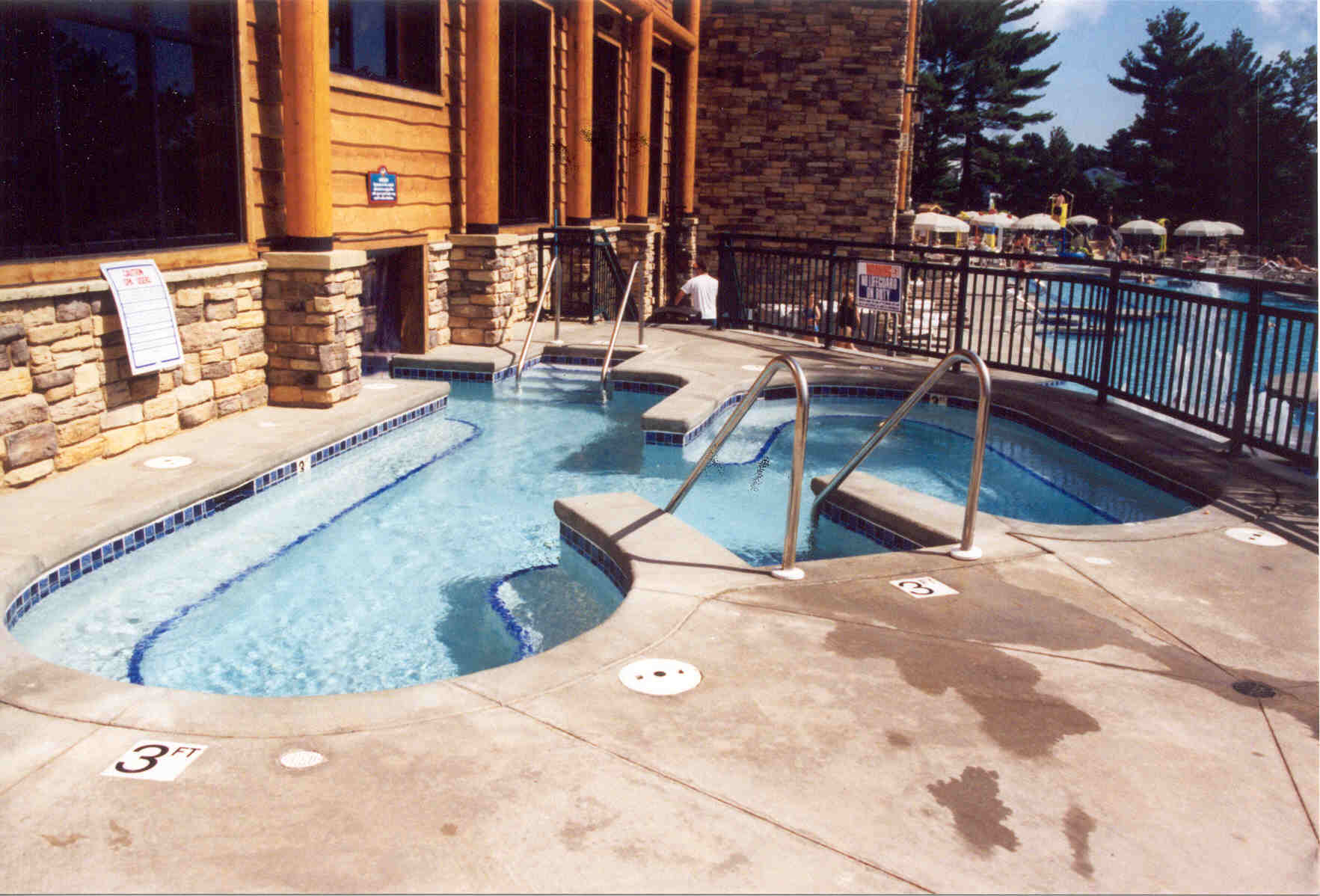 Outdoor whirlpool at the Wilderness on the Lake in Lake Delton, WI