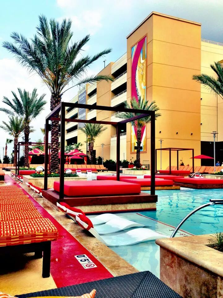 Outdoor pool and seating area at the Golden Nugget Hotel & Casino in Biloxi, MN