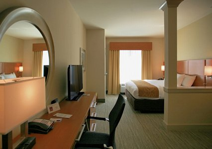 Bedroom in Comfort Suites in Bossier City, LA
