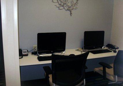 Guest office area in Comfort Suites in Bossier City, LA