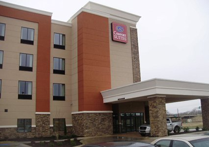 Outside view of Comfort Suites in Bossier City, LA