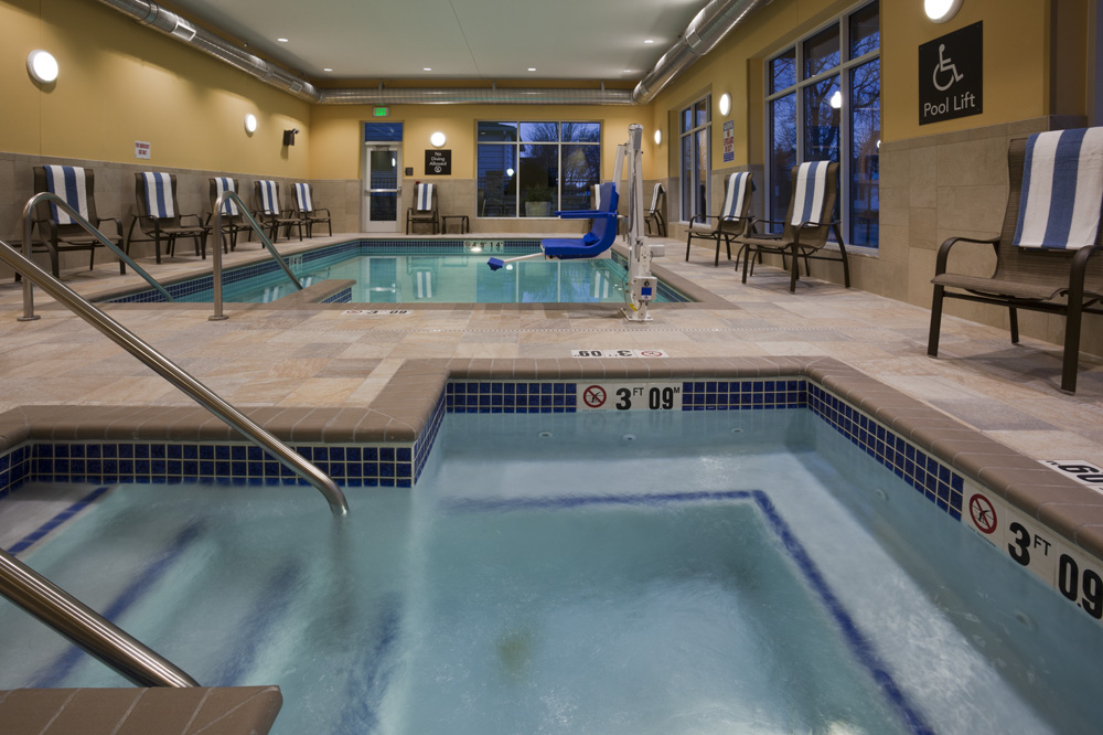 Hot tube and pool at the Homewood Suites in Rochester, MN