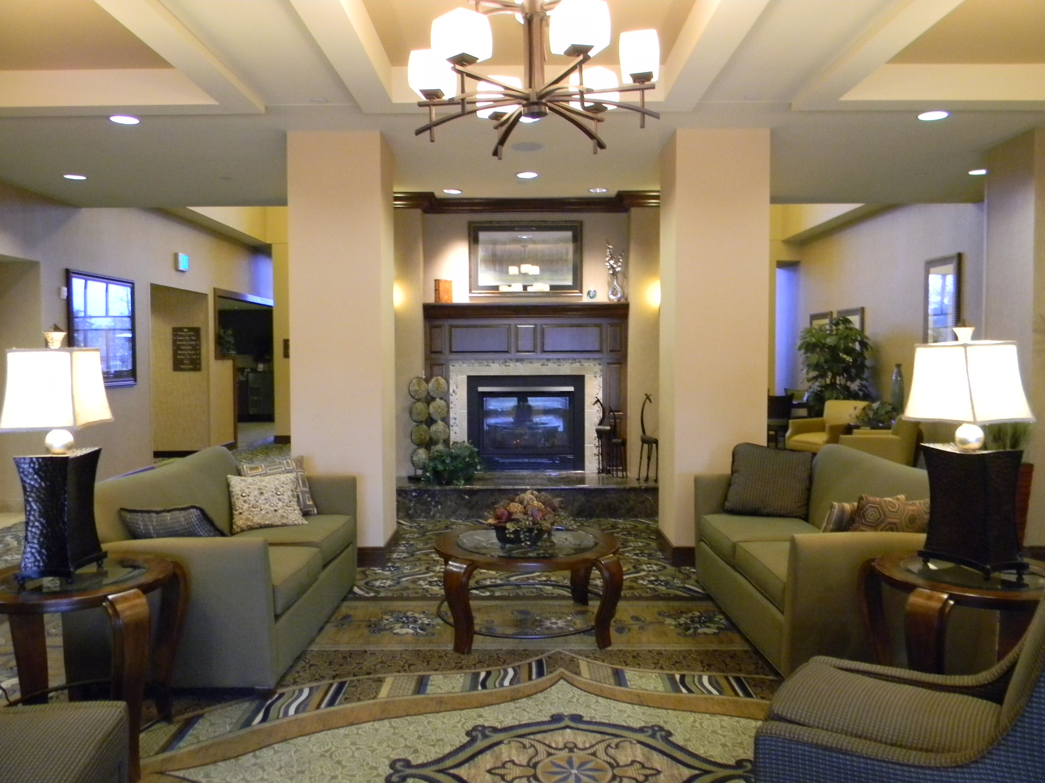 Lobby area in the Homewood Suites in St. Louis Park, MN