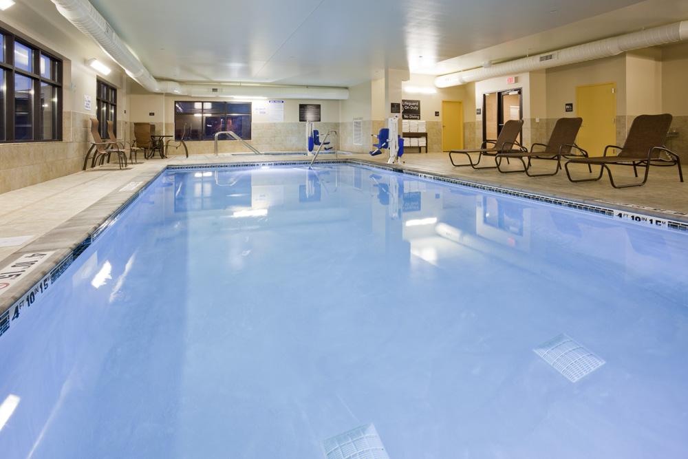 Pool area in the Hampton Inn in Minnetonka, MN