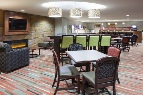 Seating area in the Holiday Inn Express in Bloomington, MN