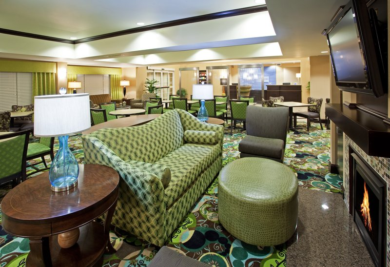 Seating area in the Holiday Inn Express in Dublin, OH