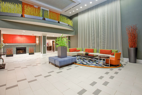 Seating area in the Holiday Inn Express in Festus, MO