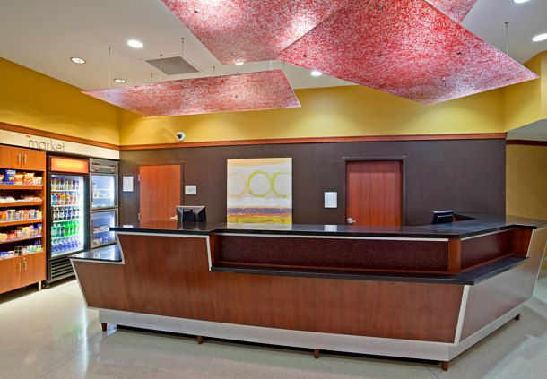 Front desk area in the Courtyard Marriott in Maple Grove, MN