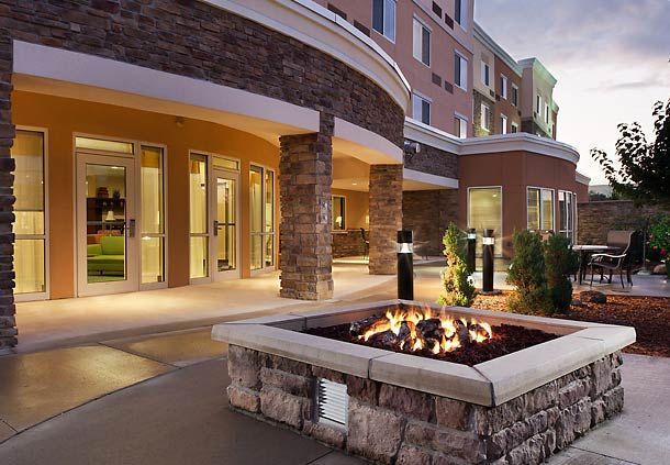 Outside fire pit area at the Courtyard Marriott in Ankeny, IA