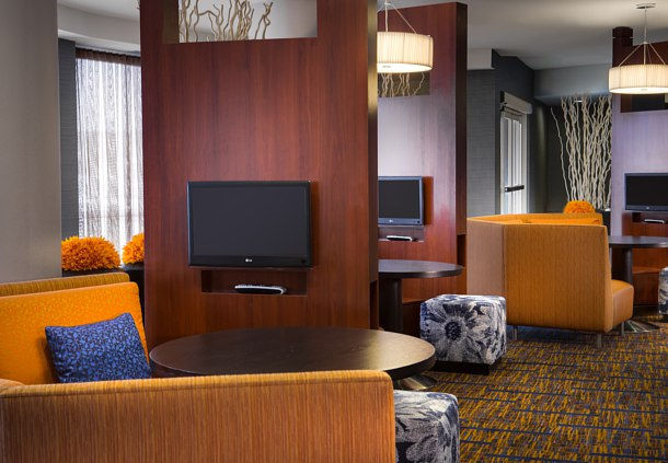 Seating area in the Courtyard Marriott in Ankeny, IA