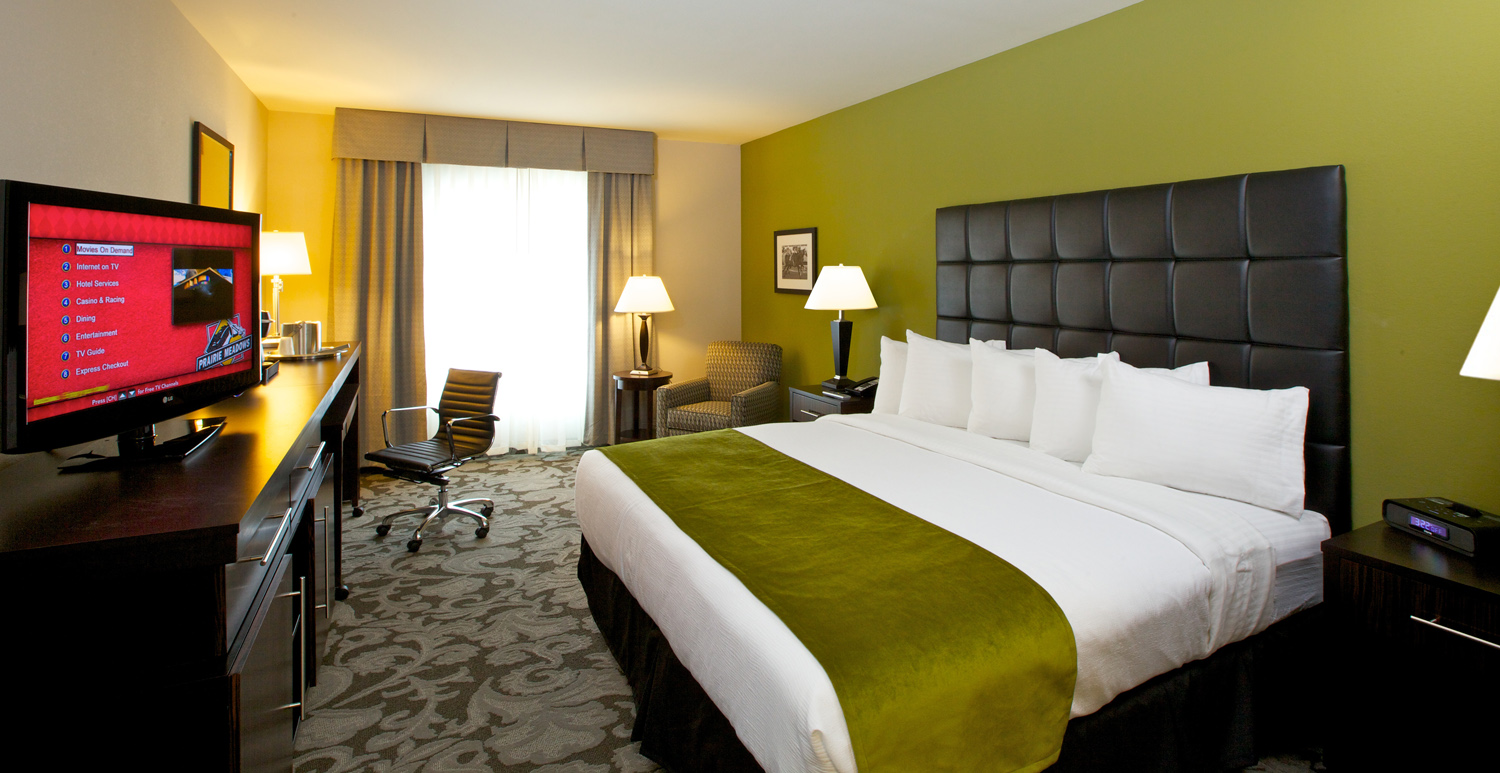 Bedroom in the Prairie Meadows Resort and Casino in Altoona, IA