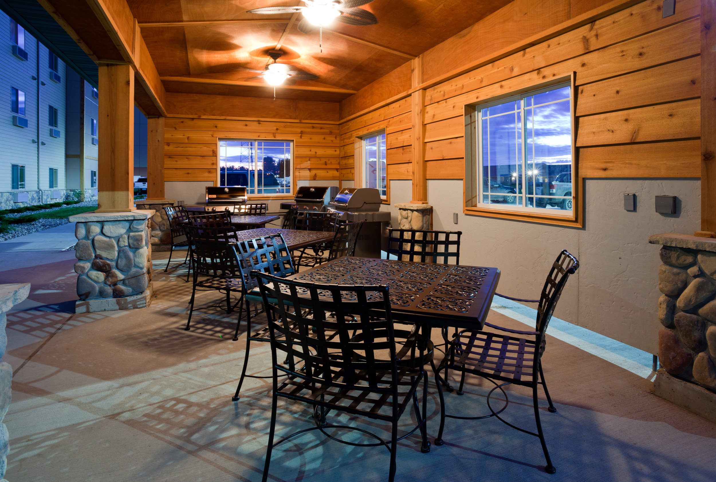 Seating area in the the Souris Valley Suites in Minot, ND