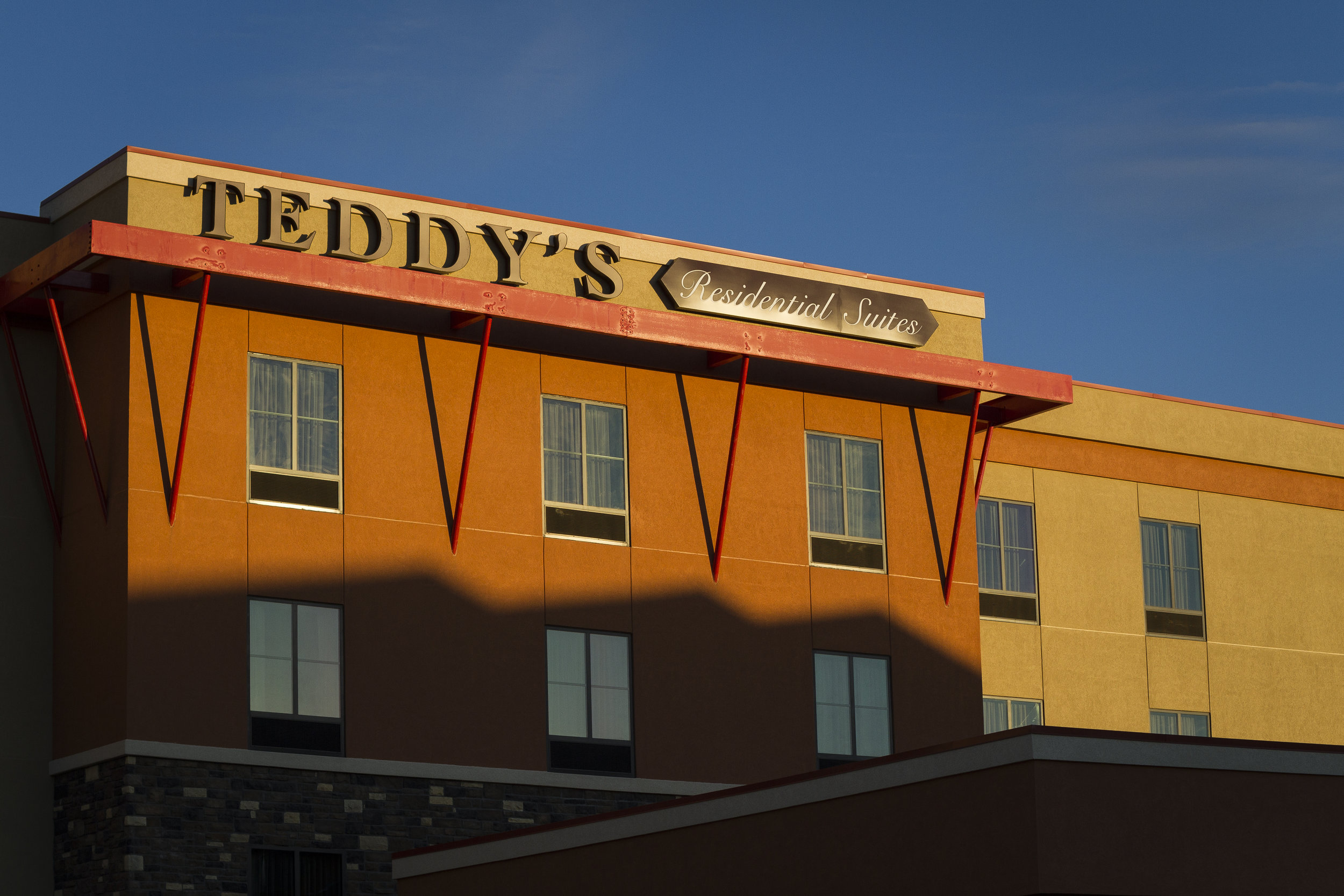Outside view of the Teddy's Residential Suites in Watford City, ND