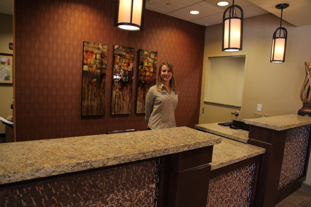 Front desk at the Little Missouri Inn & Suites in Watford City, ND