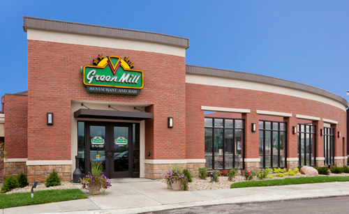 Outside view of Green Mill in Willmar, MN