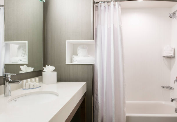 Guest bathroom at the Courtyard Hotel in Bellevule NB
