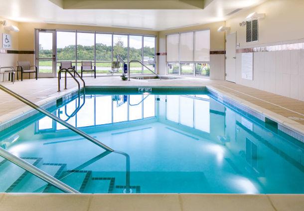 Pool area in the Courtyard Hotel in Bellevule NB