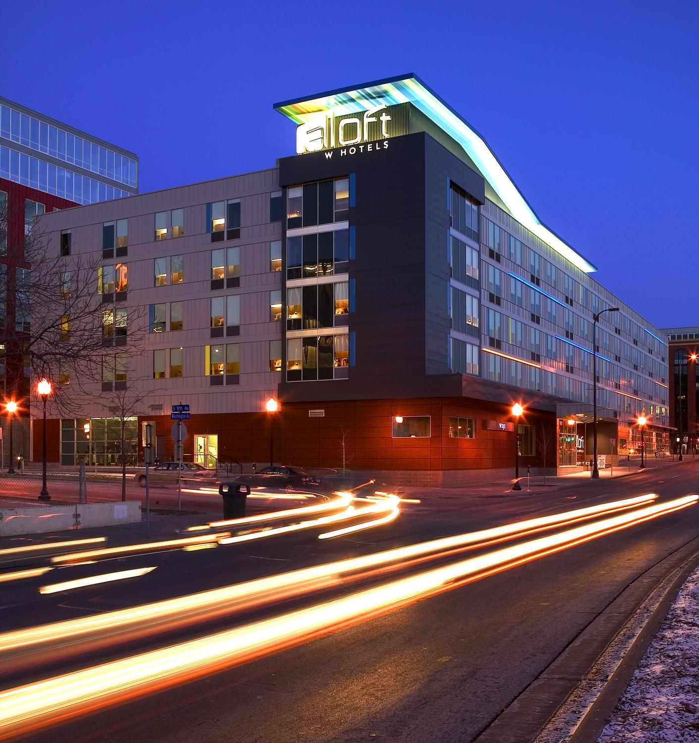 Nighttime view of the Aloft Hotel in Minneapolis, MN