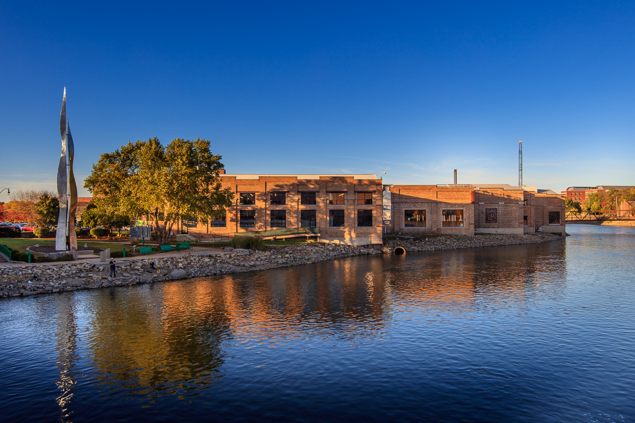 Outside view of the the Stateline Family YMCA in Beloit, WI by the water
