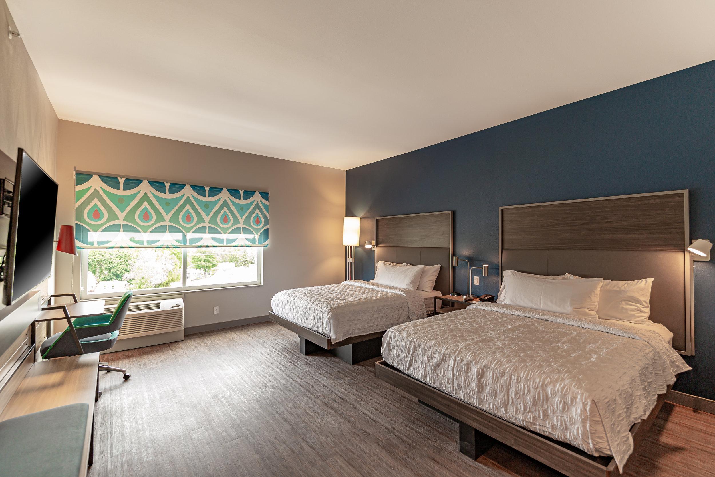 Guest room in Tru by Hilton in Brookfield, WI