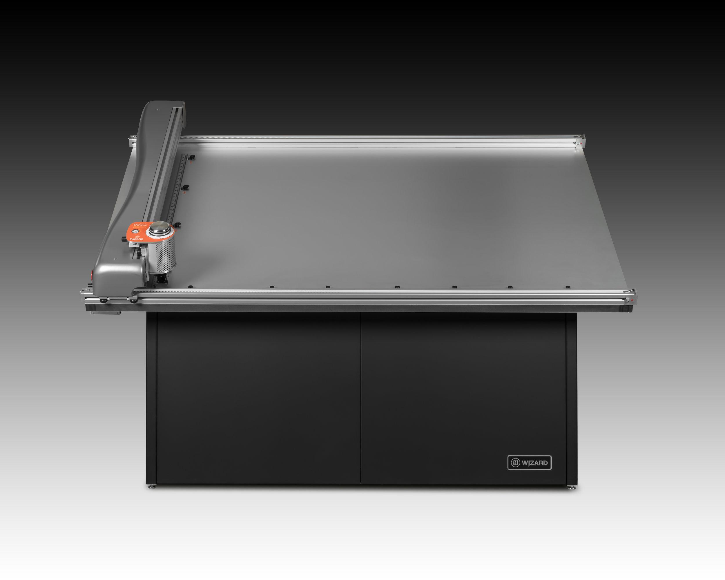 9000z-Front-Iso-Gradient.jpg