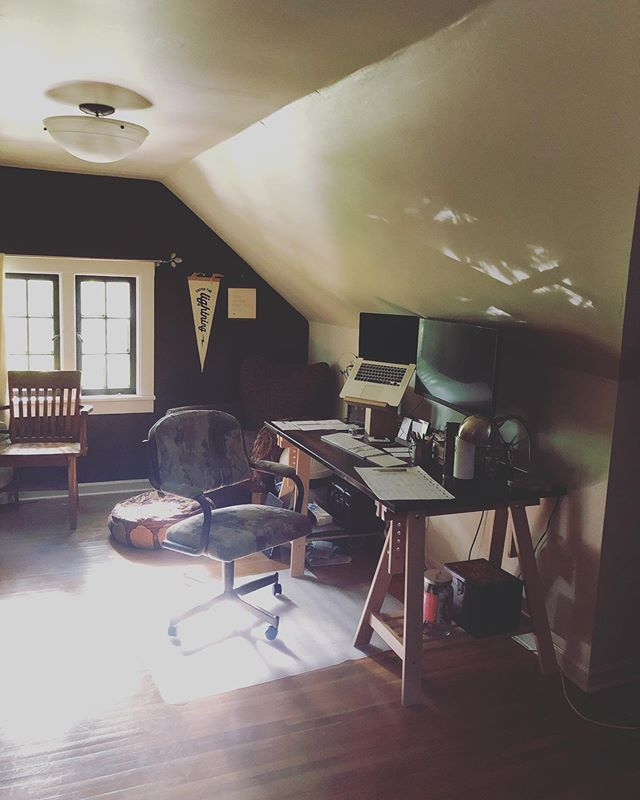 Moved my office upstairs. A nice change of pace... 😁. #graphicdesignlife  #gorockford
