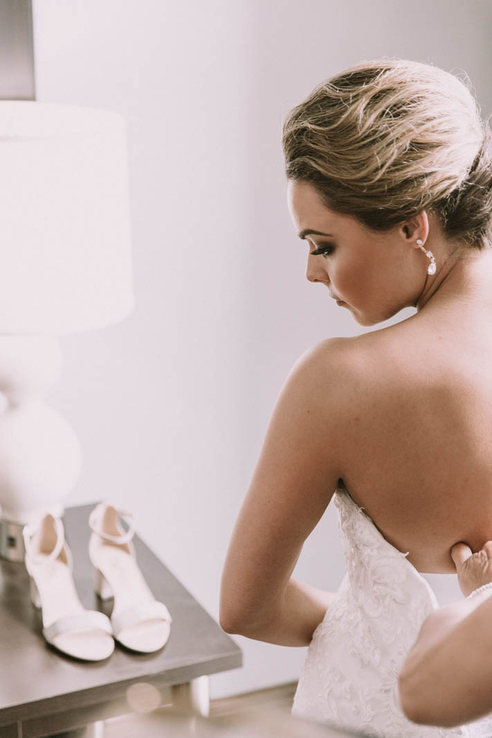 Chloe-Savannah-Wedding-Couture-Closet-Meagan-Jordan-Lis-Simon-zip.jpg