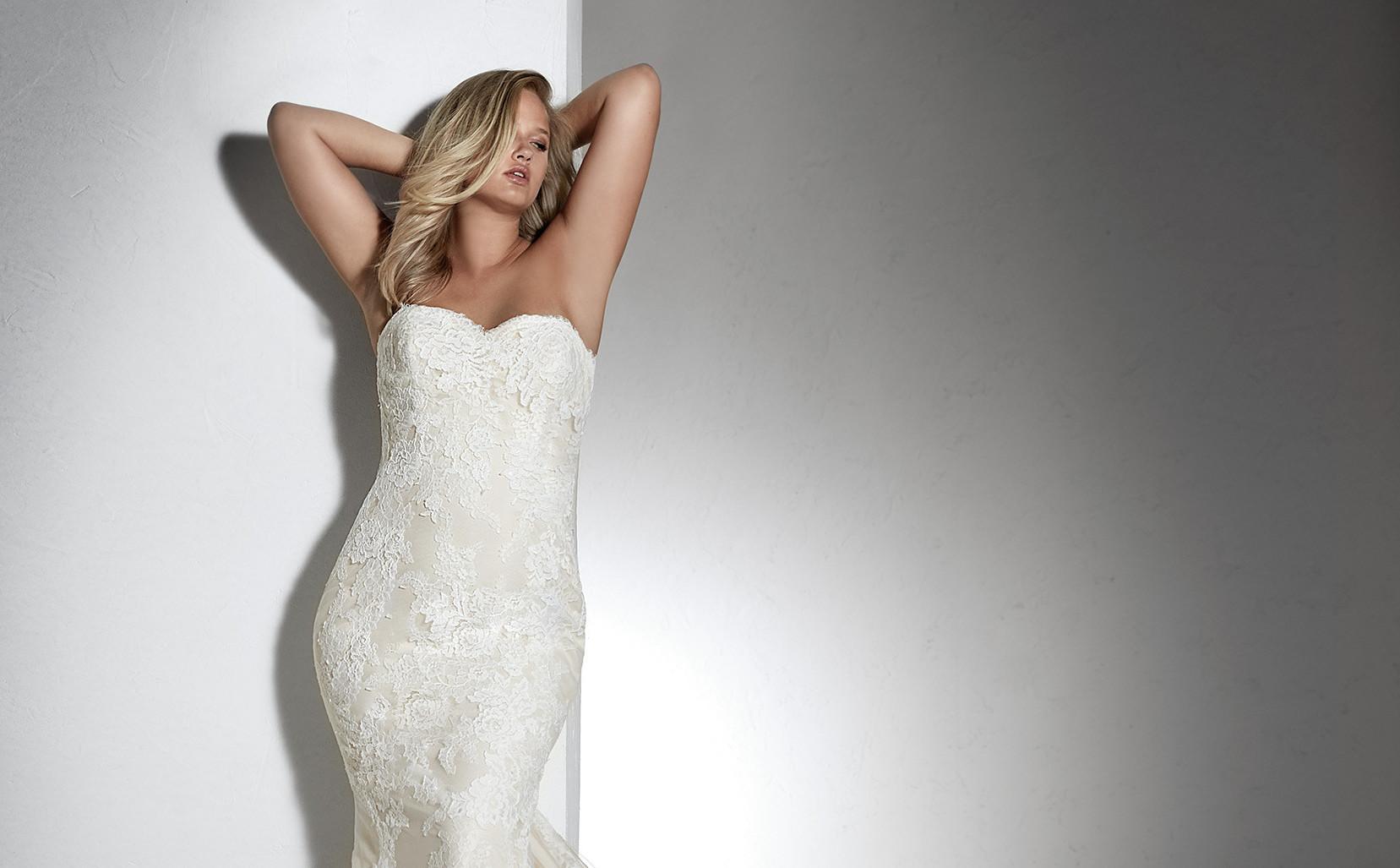 White-One-Plus-Size-Famosa-Pronovias-Couture-Closet