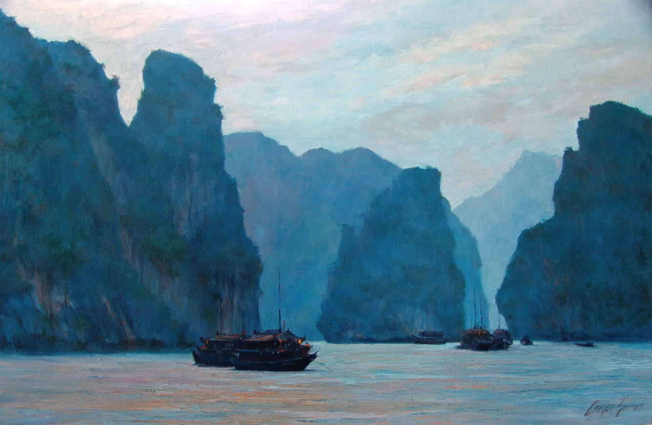 Dusk on Halong Bay