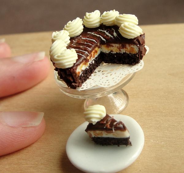 1_12_scale_cheesecake_by_fairchildart-d55g3vw.jpg