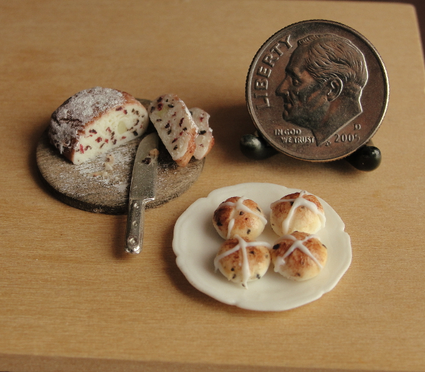 1_12_scale_dutch_easter_bread_and_hot_cross_buns_by_fairchildart-d8oij6x.jpg