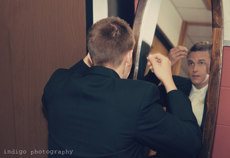 wedding-groom-getting-ready