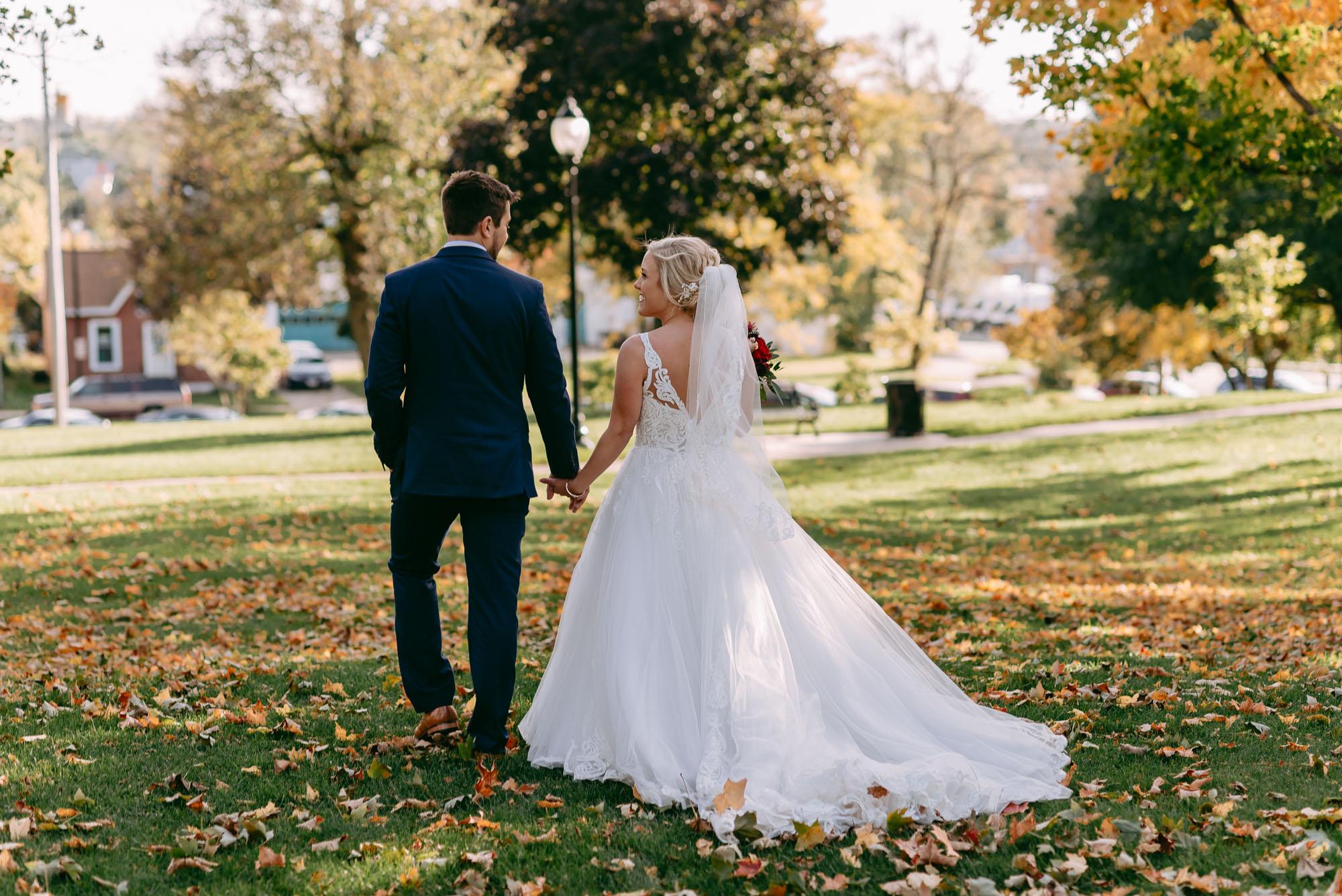 ironworks-hotel-wedding-photos-beloit-wi-wedding-photographers-199.jpg