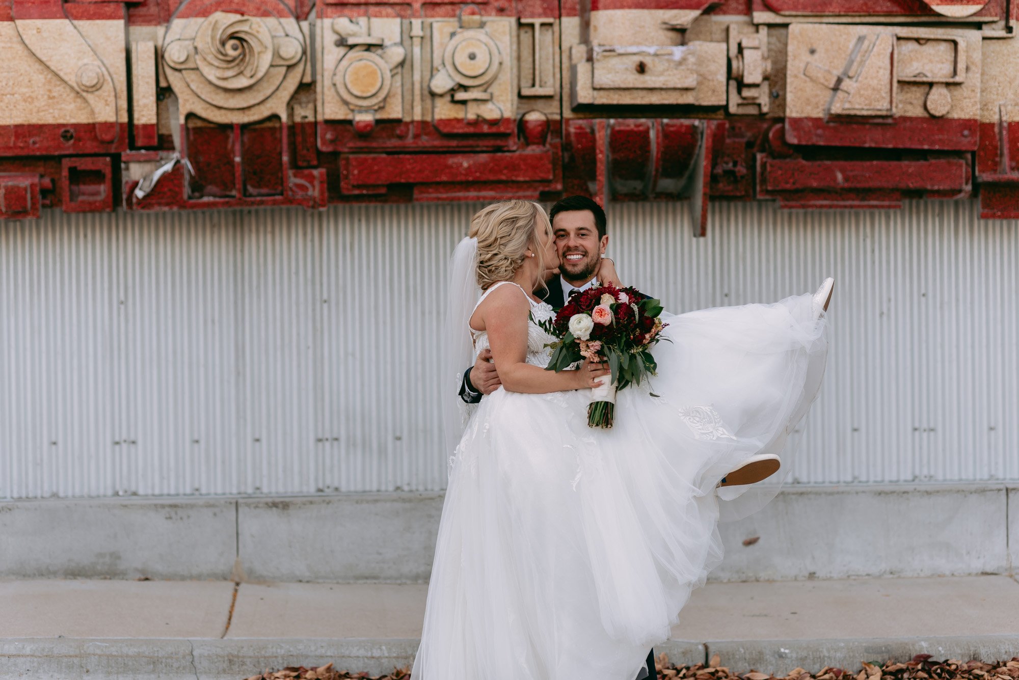 ironworks-hotel-wedding-photos-beloit-wi-wedding-photographers-249.jpg