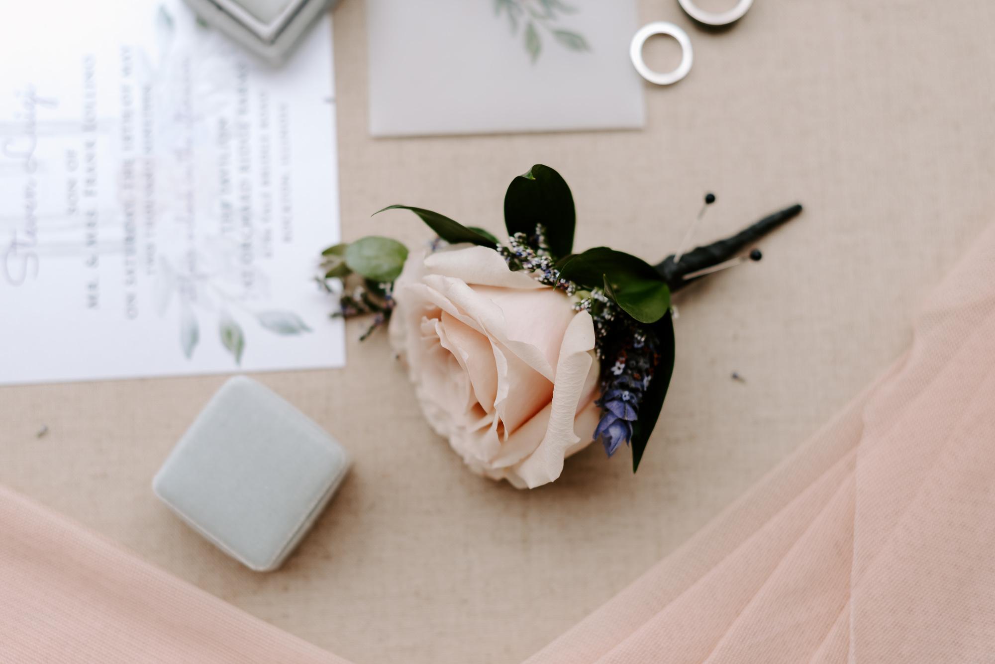 orchard-farms-pavillion-wedding-rockton-IL-wedding-photographers-14.jpg