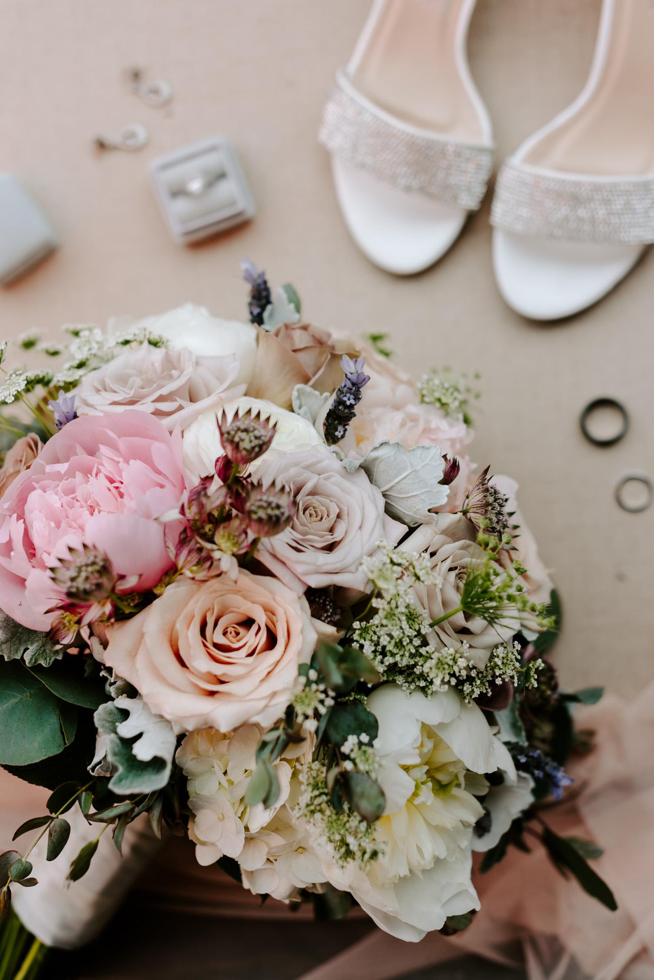 orchard-farms-pavillion-wedding-rockton-IL-wedding-photographers-16.jpg