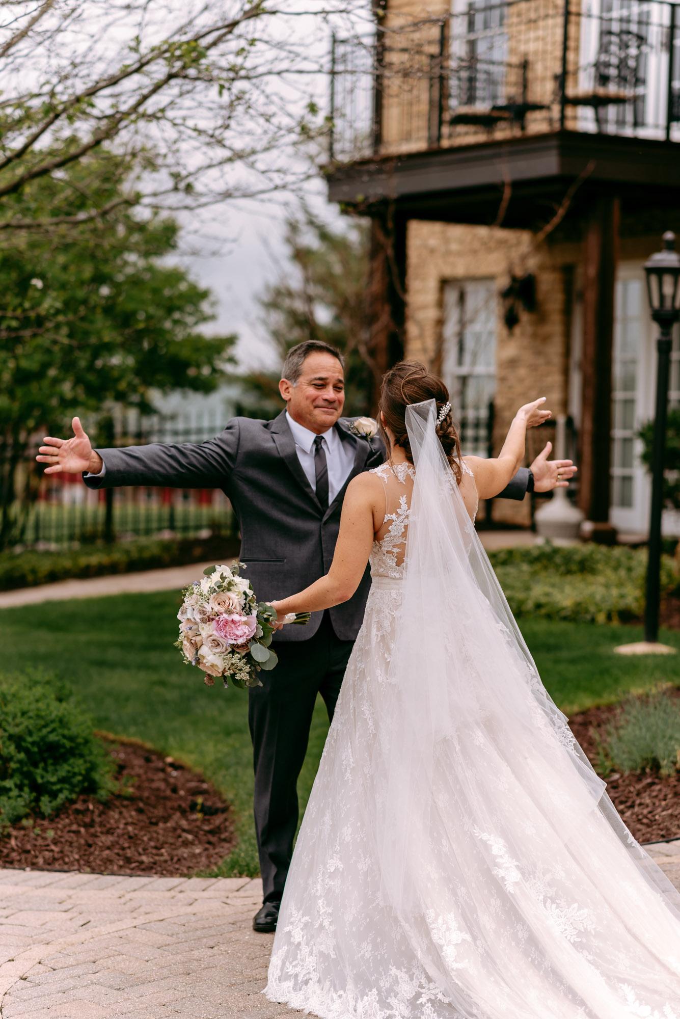 orchard-farms-pavillion-wedding-rockton-IL-wedding-photographers-195.jpg