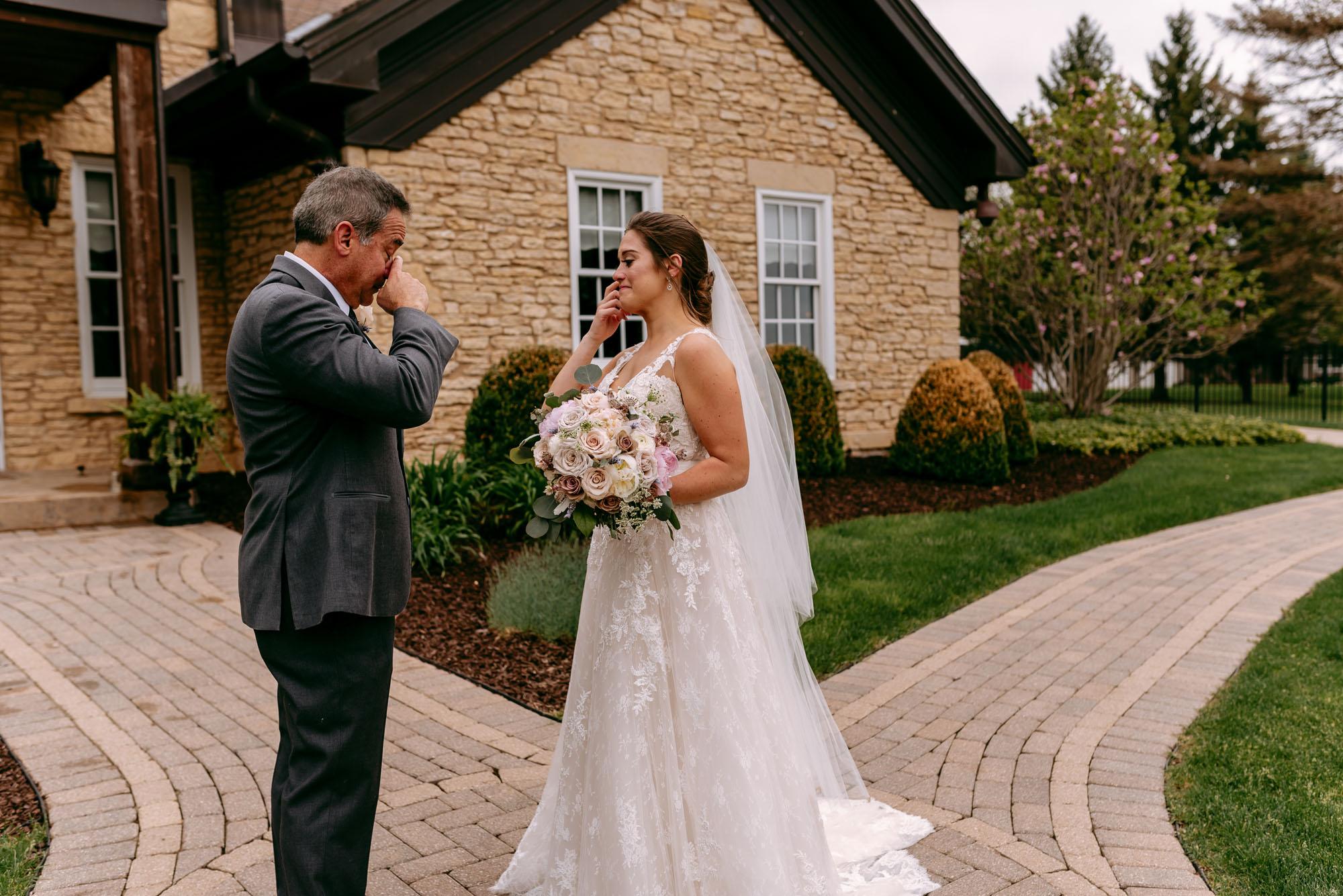 orchard-farms-pavillion-wedding-rockton-IL-wedding-photographers-200.jpg