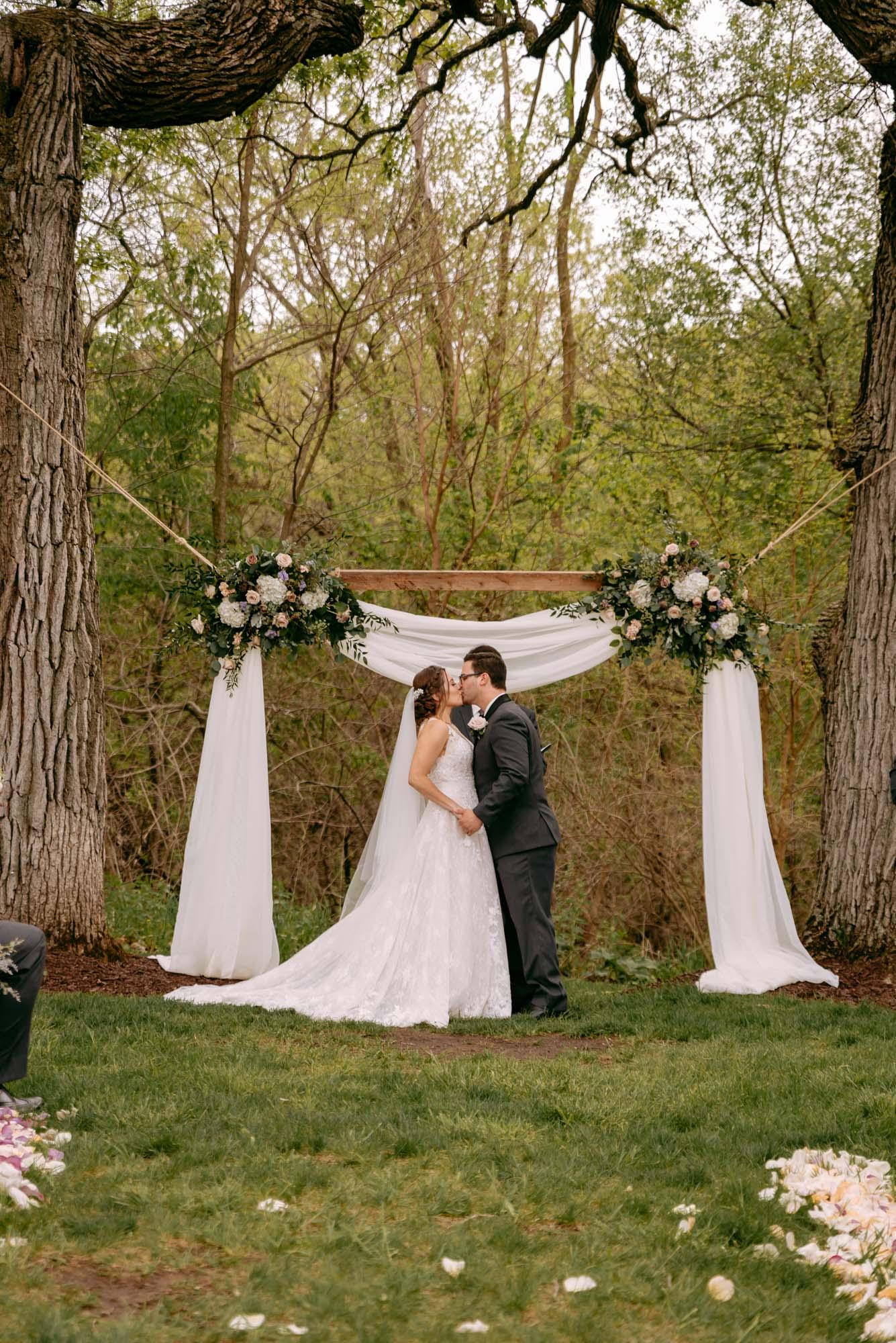 orchard-farms-pavillion-wedding-rockton-IL-wedding-photographers-283.jpg
