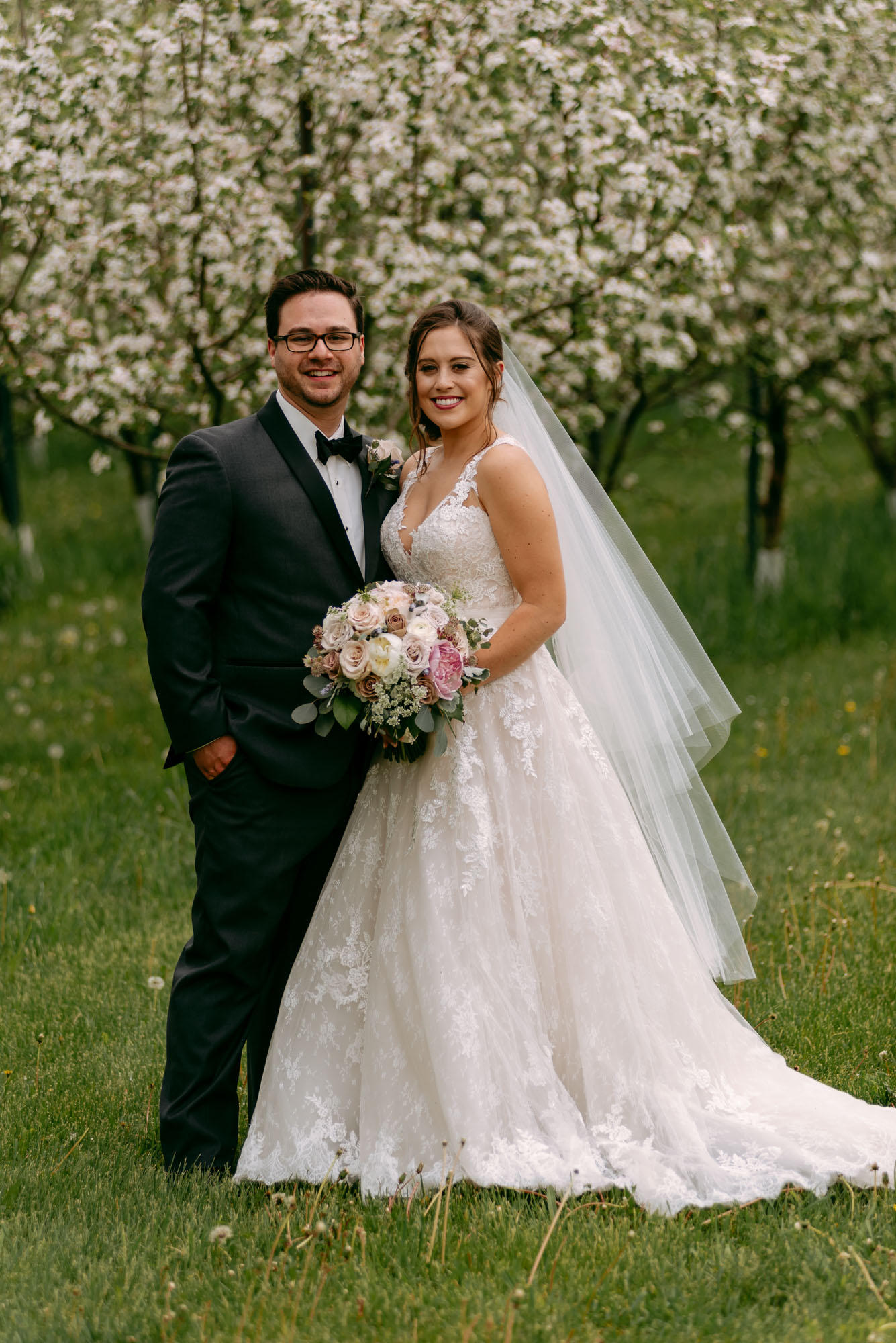 orchard-ridge-farms-pavillion-Rockton-IL-wedding-photographers-5.jpg