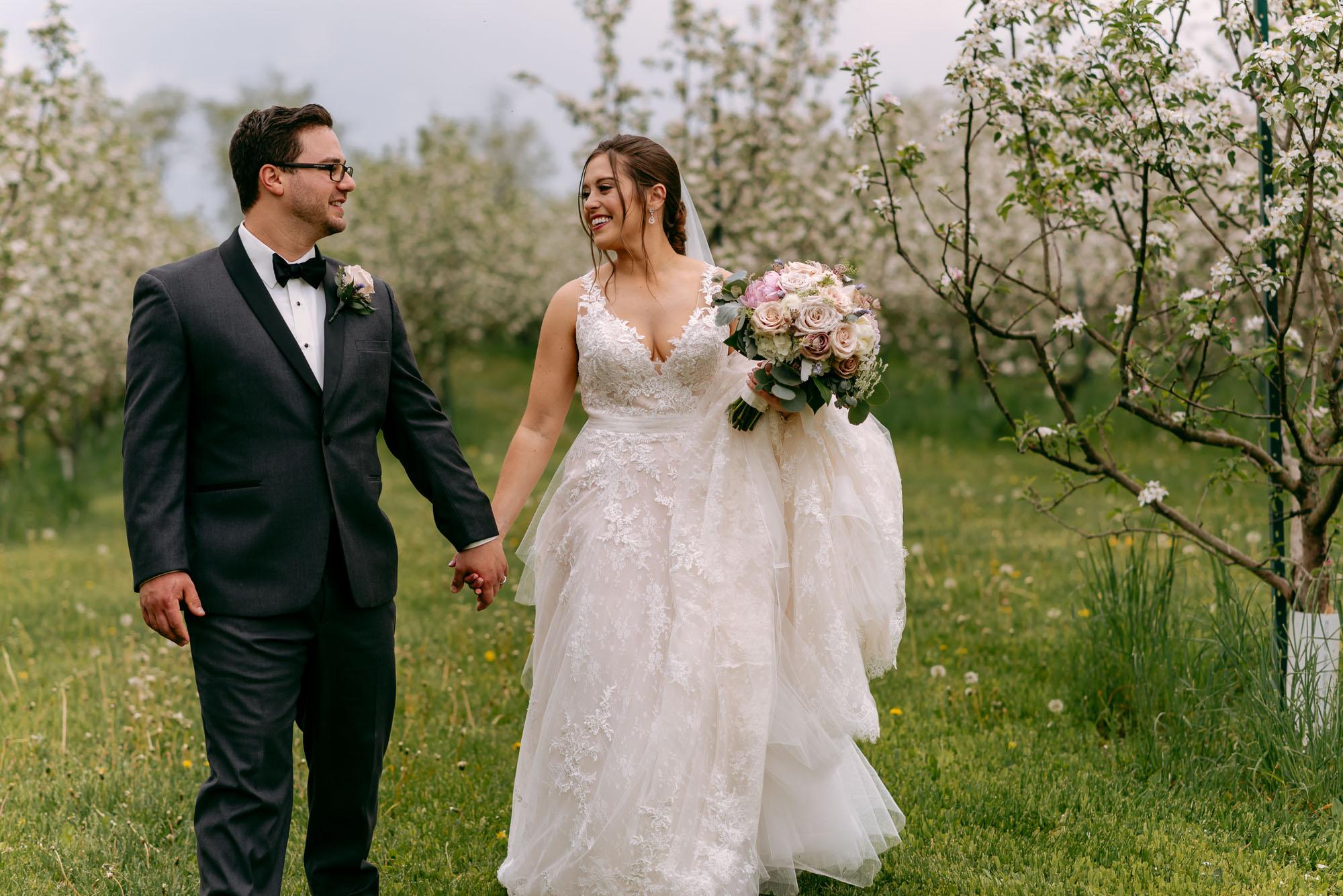 orchard-ridge-farms-pavillion-Rockton-IL-wedding-photographers-9.jpg
