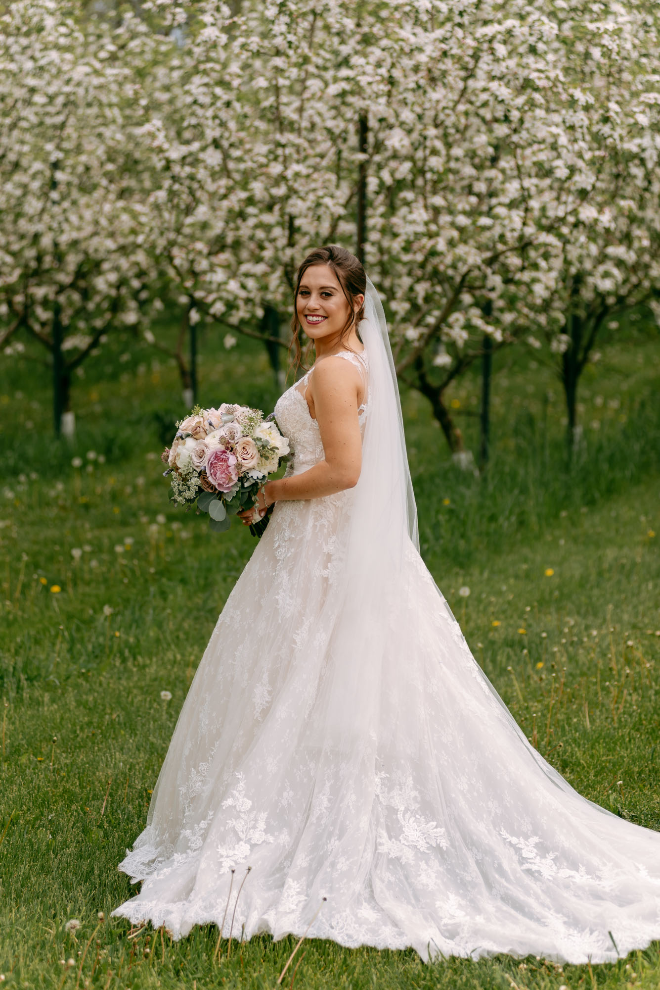 orchard-ridge-farms-pavillion-Rockton-IL-wedding-photographers-4.jpg