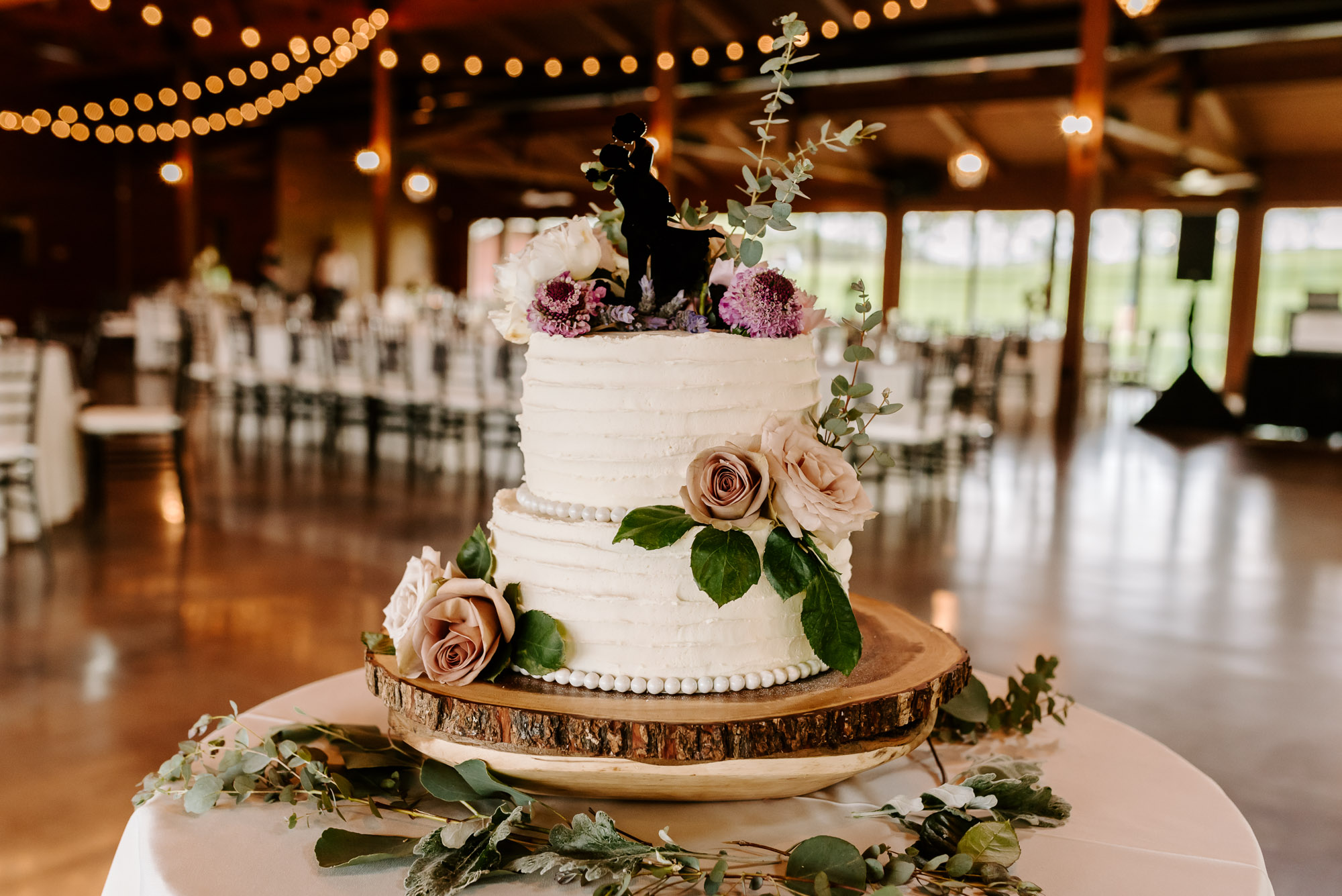 orchard-farms-pavillion-wedding-rockton-IL-wedding-photographers-232.jpg