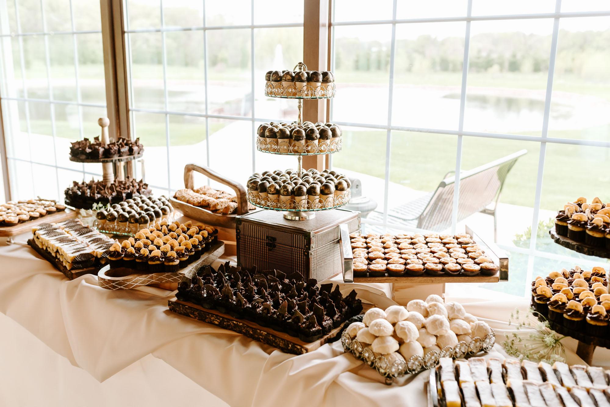 orchard-farms-pavillion-wedding-rockton-IL-wedding-photographers-237.jpg