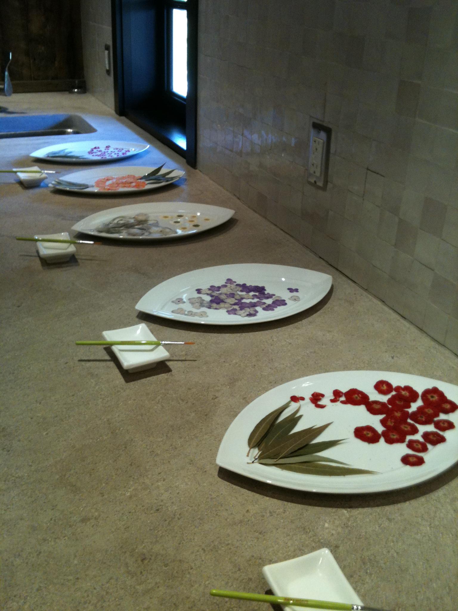 FlowersonPlates.JPG