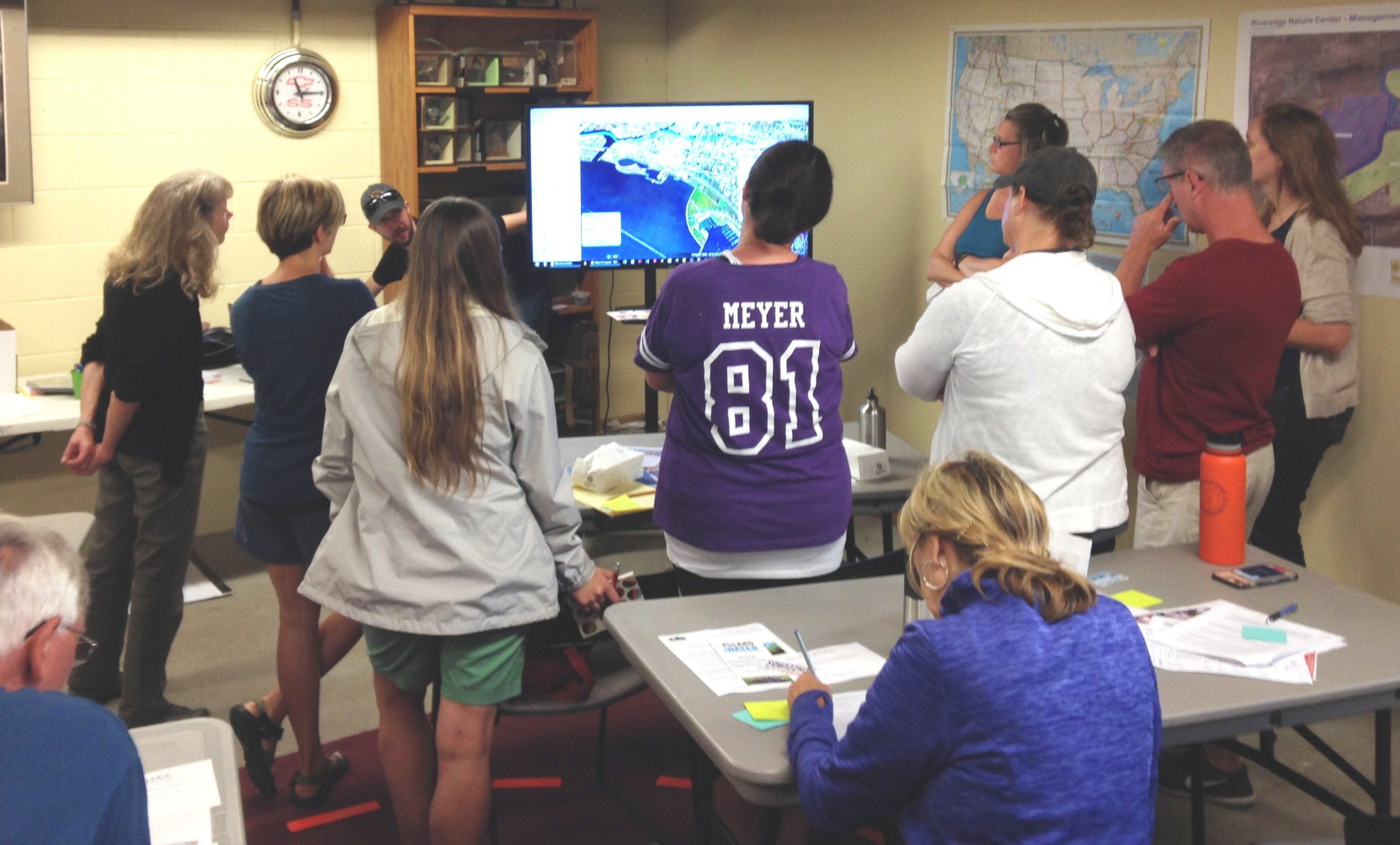 Showcasing the Milwaukee Community Map at a professional development session for educators focusing on Great Lakes sustainability at Riveredge Nature Center in August 2018.