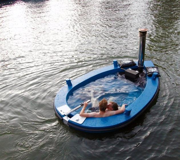Hot-Tub-Boat-by-Hot-Tug-1